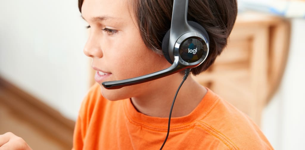 see-headsets-desktop