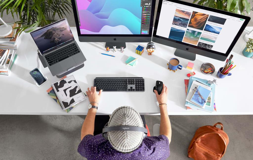 mx-keys-for-mac-lifestyle-gallery-image-1
