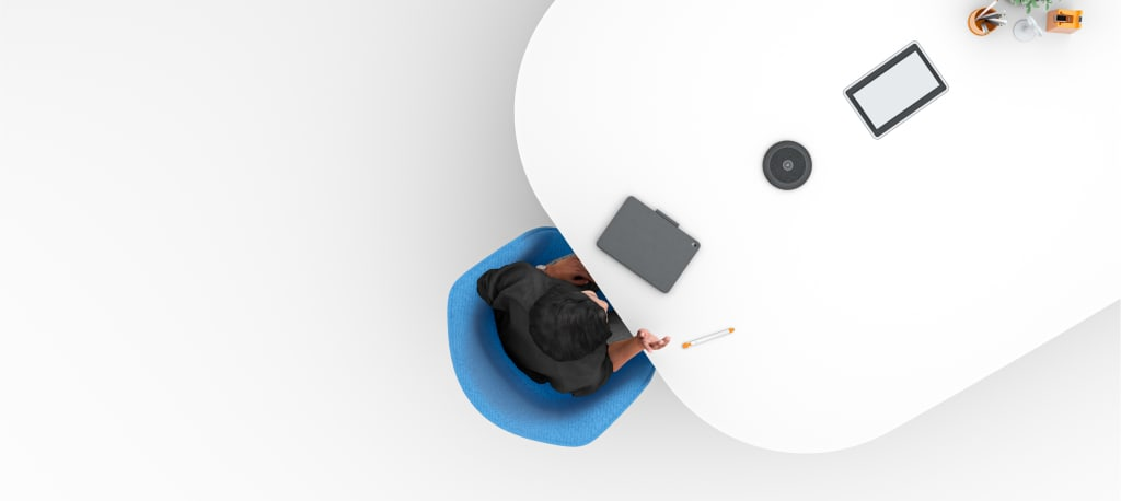 mic-pod-mount-blade-4-desktop