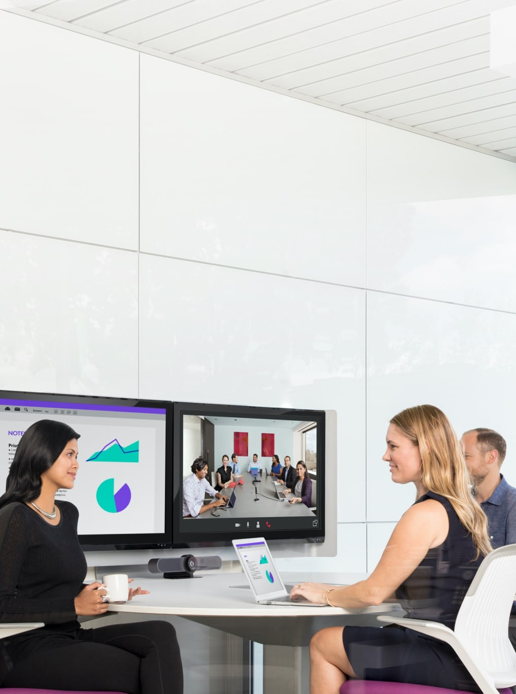 how-businesses-embrace-video-hero-tablet