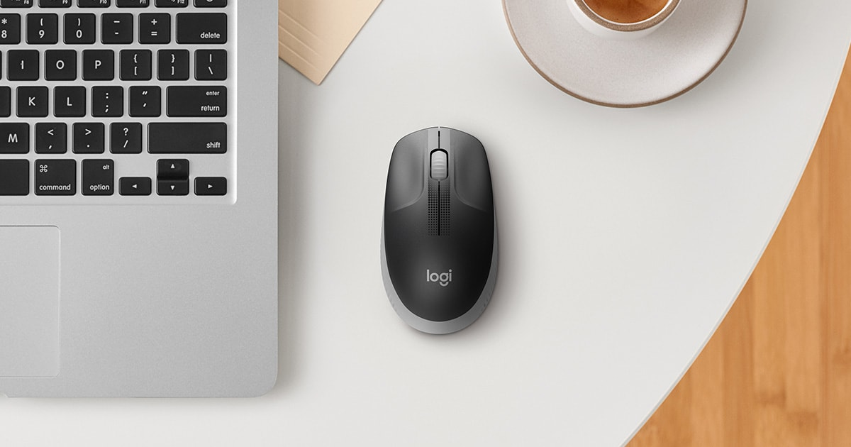 Logitech M190 Wireless Mouse - Full Size Curve Design