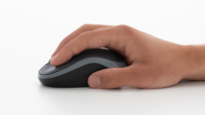 hand gripping mouse