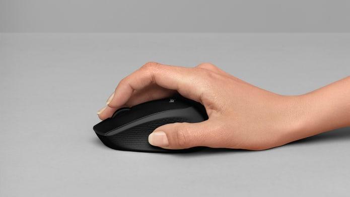 Hand mit kabelloser Maus