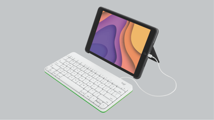 Keyboard with lighting connected connected to iPad