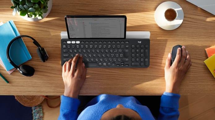タブレット用キーボードのデスクトップセットアップ
